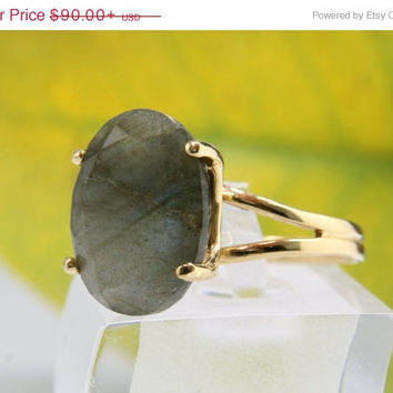 Mothers Day 25% Off - BLACK FRIDAY SALE - Labradorite ring,oval ring,strength ring,gemstone ring,gold ring,faceted ring,cocktail ring,statem