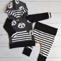 Panda baby outfit 0-3M, infant hoodie and pants, modern baby outfit, ready to ship