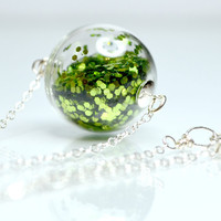 Green glitter necklace in round hand blown glass by thestudio8