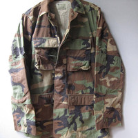Vintage Woodland Army Camo Jacket Shirt Camouflage US Military Small Long 963