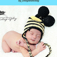 crochet pattern bumble bee hat with earflap  sizes Preemie-6 months