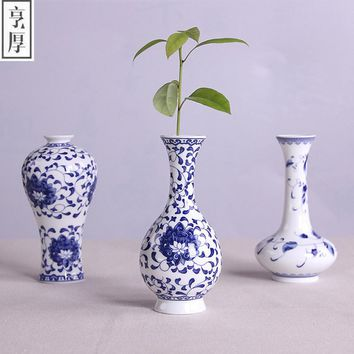 Vintage Chinese Wind Home Decoration Ceramic Vase Blue and White Porcelain Flower Receptacle Vintage Flower Vases For Homes