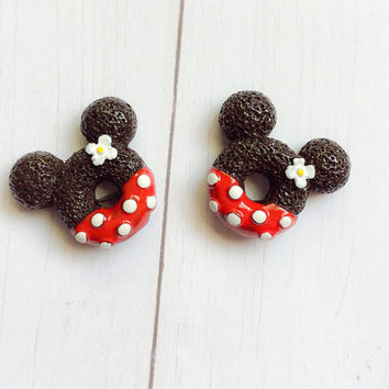Disney Jewelry Women ~ Minnie Stud Earrings ~ Disney Earrings ~ Fish Extended Gifts ~ Disney Cruise ~ Minnie Mouse Earrings