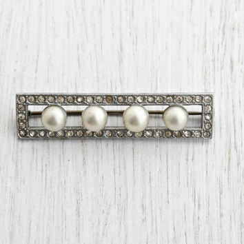 Vintage Art Deco Rhinestone & Faux Pearl Brooch - Antique Silver Tone 1930s Czech Costume Bar Pin Jewelry / Rectangular