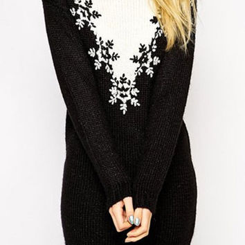 Black and White Long Sleeve Leaves Print Sweater