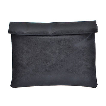 Faded Tone Vintage  Faux Leather Clutch-Black