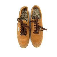 Vintage Tan Brown Bowling Shoes 70s 80s Suede Oxfords Lace Up Shoes Retro Modern Hipster Rockabilly Shoes men's size 9