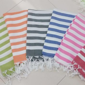2017 Soft Cotton Pink Beach Bath Towels Toalla playa Fouta towels Scarf Turkish Tassel Striped Beach towel for Adult 100x180cm