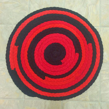 Braided Rug, Upcycled Tshirt Rug, Red and Black, Round Rug, Round Braided Rug, Handmade Rug, Recycled Rug, Tshirt Rag Rug, Upcycled Rug
