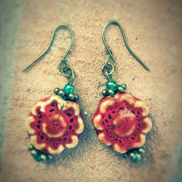 Red flower earrings,geometrical earrings,boho ceramic jewelry,glas beads,ethnic earrings,retro earrings,dangle earrings,vintage earrings