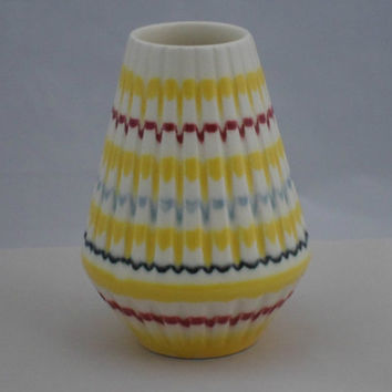 Gorgeous small posy vase from Hornsea Pottery. Fluted pot from the Rainbow range with bright bands on a brilliant white background. 1960s