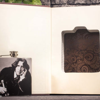 Hollow Book Safe & Oscar Wilde Hip Flask - Oscar Wilde - Vintage (1988)