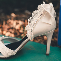 SAMPLE SALE  Ivory wedding shoes crystal by TheCrystalSlipper