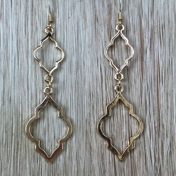 Torch Light Earrings In Gold