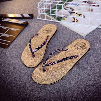 wood pattern sandals 2016 New Fashion Retro Japanese style  fashion wooden flip flops slippers Women\'s clogs slippers