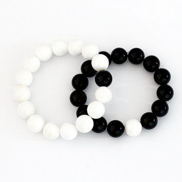 Yin Yang bracelet, black and white beaded bracelet, good and bad bracelet, best friend bracelet, memory bracelet, Happiness Bracelet