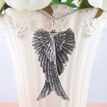 Expressive Folded Angel Wings Necklace