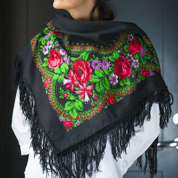 Vintage Russian Red Roses Scarf, Unique Pavlovsky Posad Shawl Black Wool, Boho Scarf fringes Flowers black background shawl gift her