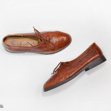 Vintage Cut Out Oxfords • Brown Leather Shoes • Eyelet Leather • Women's Size 5 1/2 • Brown Leather Oxfords •  Vintage Leather Shoes