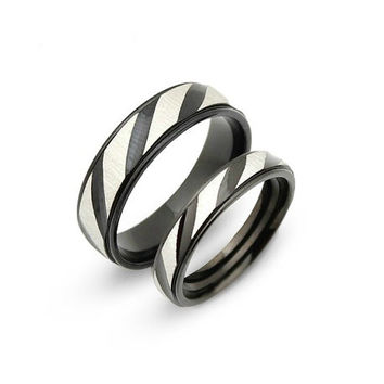 Matching ring Set Black and white titanium Wedding Band Ring 6mm 4mm Custom Engraved His and Hers promise rings Valentine's day ring Sale