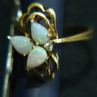 Gorgeous Vintage 10k Gold Genuine Opal(s) and Diamond Ring Size 6