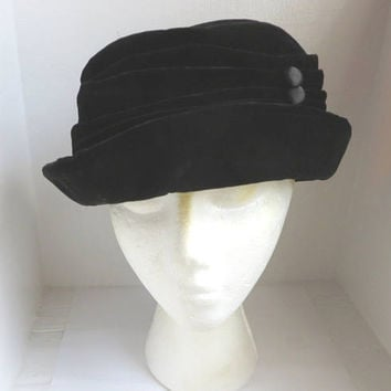 Betmar New York Hat, Vintage Black Velvet Hat, Women's Millinery, Three Season Hat, 1990s Brimmed Hat