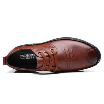 Men Cow Leather Soft Sole Non-slip Lace Up Casual Shoes