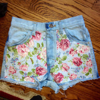 Highwaisted Distressed Floral Shorts