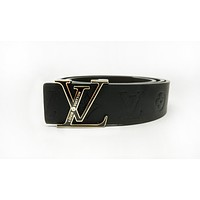LV new men and women models wild fashion classic letter buckle smooth buckle belt gold