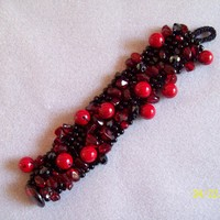 Beaded Knitted Bracelet on Luulla
