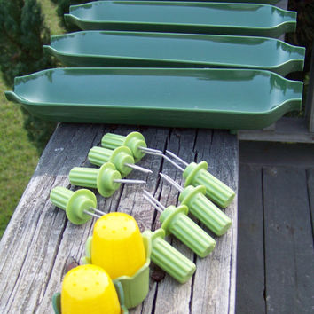 Vintage ROYAL Products Corn on the Cob Set--Corn Trays--Prong Corn Holders--Salt & Pepper Shakers--Retro Kitchenware---Picnic--Barbeque