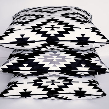 Aztec Pillow Cover, 2015 New Collection Pillow Cover, Tribal Pillow Cover, Throw Pillow with Piping, Toss Pillow, Sofa Pillow