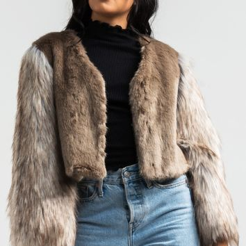 AKIRA Mixed Faux Fur Short Hook Closed Jacket in Natural