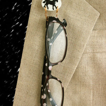 Handmade Acrylic Black Horse on White Oval Magnetic Eyeglass Holder