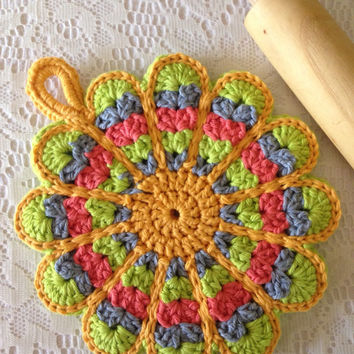 Vintage Style Flower Potholder From Allsylviascreations