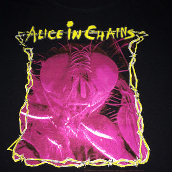 Sale!! Vintage ALICE in CHAINS band tee shirt