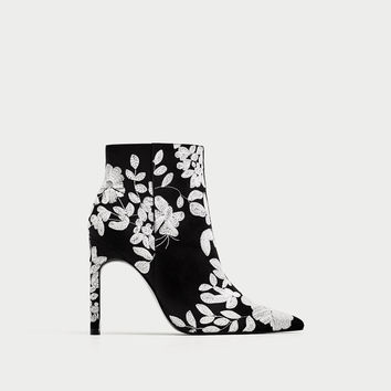 EMBROIDERED HIGH HEEL ANKLE BOOTS DETAILS