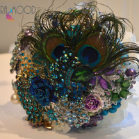 Custom Peacock Feather Themed Brooch Bouquet, Curled Peacock, Bridal Bouquet or Wedding Bouquet, Cameo Brooch Bouquet