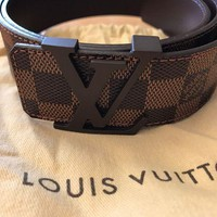 PEAP Men's Louis Vuitton Belt size is 95/38