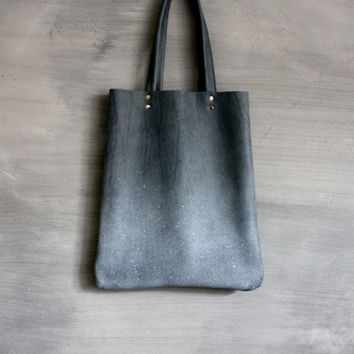 Blue-grey leather airbrushed tote