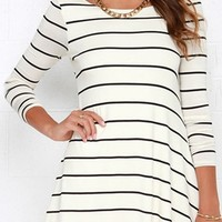 Easy Going White Black Horizontal Stripe Long Sleeve Scoop Neck Skater Circle A Line Flare Mini Tee Shirt Dress
