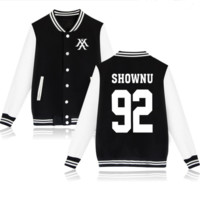 MONSTA X concert with baseball clothing around the song and winter clothes should be playing aid coat Black