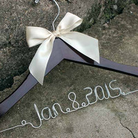 Personalized Wedding Hanger, Custom Bridal Hanger, Bride Name Bridal Party Custome Hanger Wedding Hanger