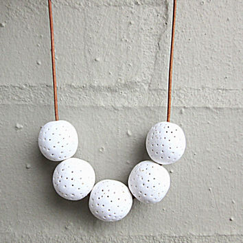 NL-202 Textured White Sparkle Polymer Clay Round Beads Necklace with Length Adjustable Natural Colour Washed Leather Cord