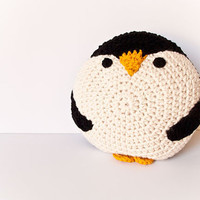 CROCHET PENGUIN PILLOW by peanutbutterdynamite on Etsy
