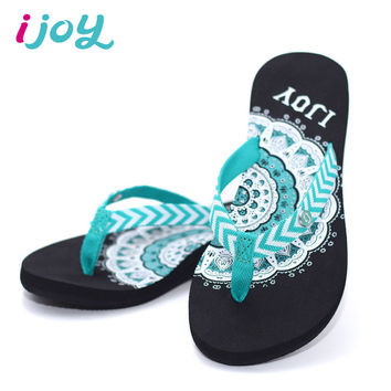 IJOY Women Sandals 2016 Flat Heels Bohemia Shoes Rubber Non-slip Soles Summer Beach Flip-flops Ethnic Style Ladies Slippers