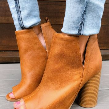 Heart Rush Booties: Tan