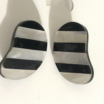HUGE Striped Kidney Bean Shaped Post Earrings / Mother of Pearl Seashell and Wood Inlay / Unique Black and White MCM MOD Statement Earrings