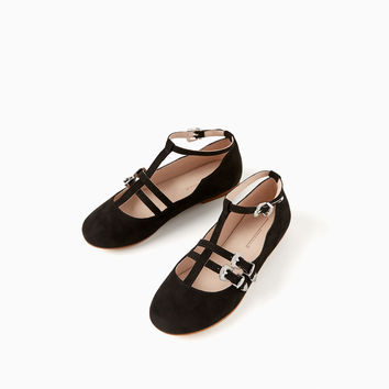 BUCKLED STRAP BALLERINAS