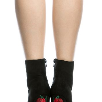 Black Faux Rose Embroidered Suede Chunky Booties @ Cicihot. Booties spell style, so if you want to show what you're made of, pick up a pair. Have fun experimenting with all we have to offer!